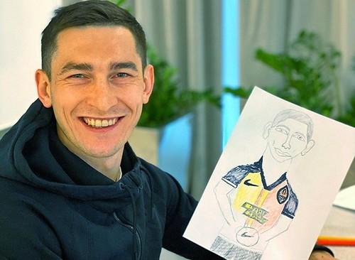 ФОТО. Мальчик Тарасик, 30 годков. Степаненко нарисовал себя: ну что, похож?