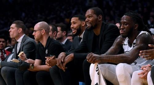 НБА не сообщает о новых случаях заражения игроков коронавирусом