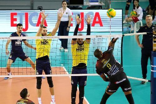Матчі волейбольних єврокубків в нинішньому сезоні не будуть дограні
