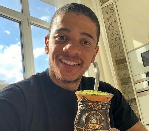 ФОТО. Що в чашці у Тайсона?