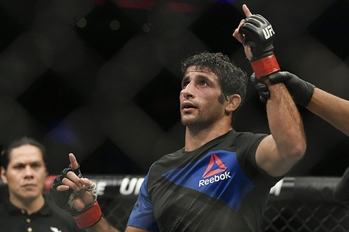 ВИДЕО. UFC 248. Бенеил отправил Клозе в глубокий нокаут