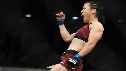 UFC 248. Чжан Вэйли раздельным решением судей победила Енджейчик