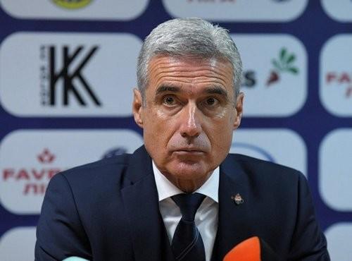 Луиш КАШТРУ: «На таком поле невозможно играть в футбол»