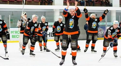 ВИДЕО. Хоккеисты Кременчука устроили шоу для фанатов