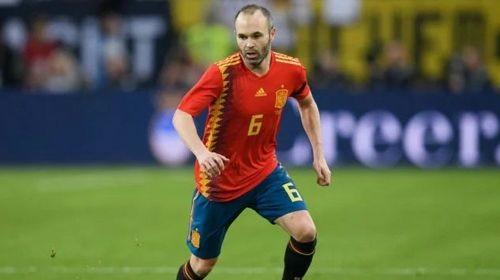 КАРИКАТУРА ДНЯ. Является ли Иньеста лучшим испанским футболистом в истории?