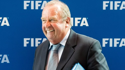 Не ждите футбола до сентября. Главный медик ФИФА пояснил причины