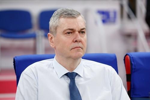 БАГАТСКИС: «В сборной Украины молодой костяк. Хромает только задняя линия»