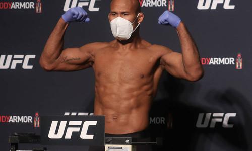 Один из боев UFC 249 отменен! У бойца и еще 2 человек выявлен коронавирус