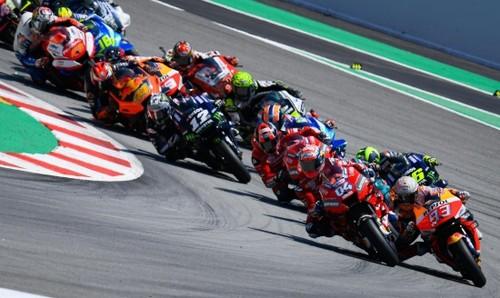 Интересный план. MotoGP планирует 12 гонок, 7 из них - в одной стране