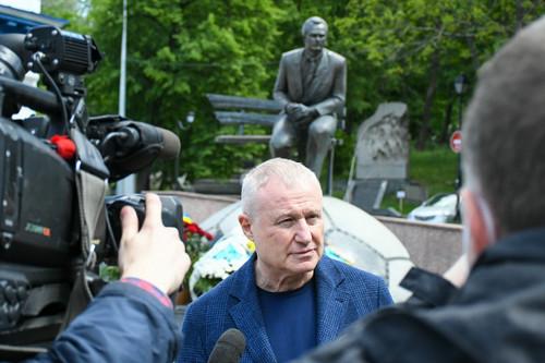 СУРКИС: «В жизни не плакал больше, чем когда прощались с Лобановским»