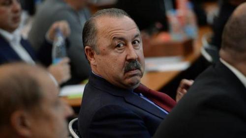 ГАЗЗАЕВ: «На каком основании не продлили контракт с Семиным? Нет слов!»
