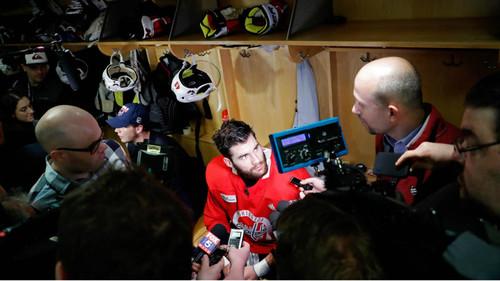НХЛ, НБА, МЛС та МЛБ заборонили журналістам відвідувати роздягальні гравців