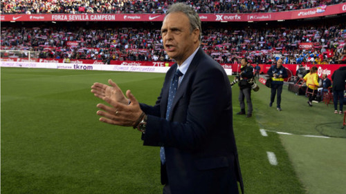 Экс-тренер Севильи Капаррос возглавил сборную Армении