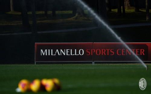 7 клубов Серии А, включая Милан и Лацио, отменили тренировки