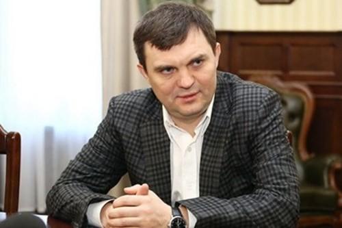 Суркис поздравил Красникова с 45-летием