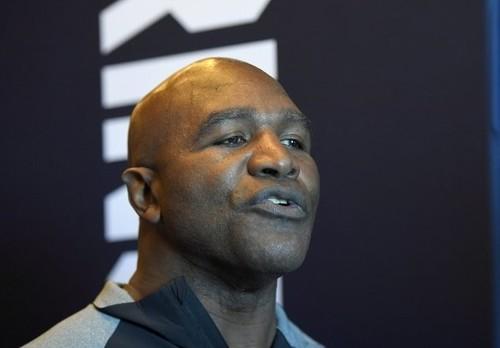 ХОЛИФИЛД: «Я мог бы сражаться в любую эпоху против любого боксера»