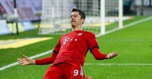 Футбол 5 голов подряд левандовский видео