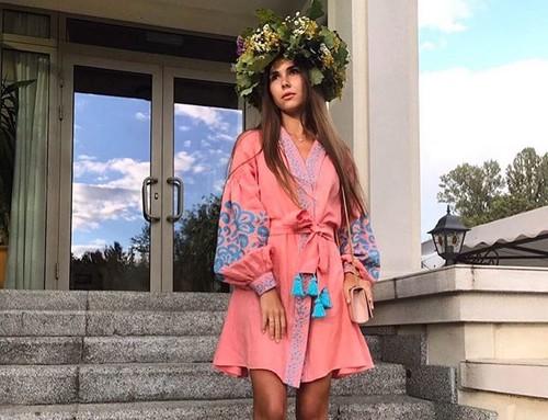 ФОТО. Дружина Реброва привітала українців з Днем вишиванки