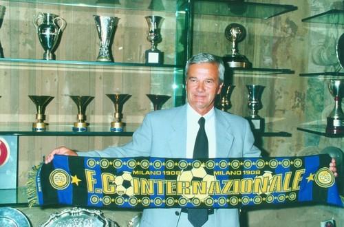 Умер легендарный тренер Симони, который выигрывал с Интером Кубок УЕФА