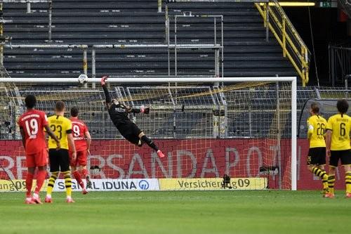 Вбивці інтриги. Ефектний гол приніс Баварії перемогу над Боруссією Дортмунд