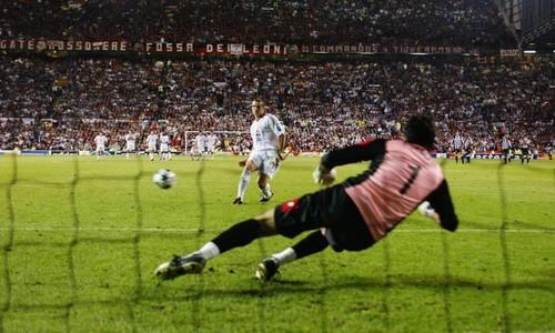 РЕТРО ДНЯ. 17 лет назад Шевченко принес Милану победу в Лиге чемпионов