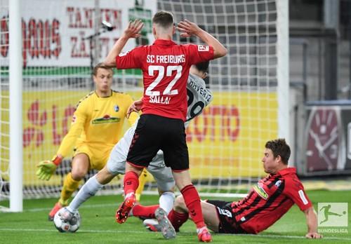 Серьезная борьба за ЛЧ. Байер одержал важную победу над Фрайбургом