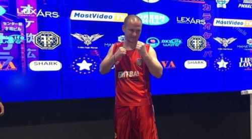 Алиев стал боксером, Суркисы смогут посещать матчи Динамо
