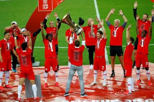 ВІДЕО. Ред Булл виграв Кубок Австрії та відсвяткував з дистанціюванням