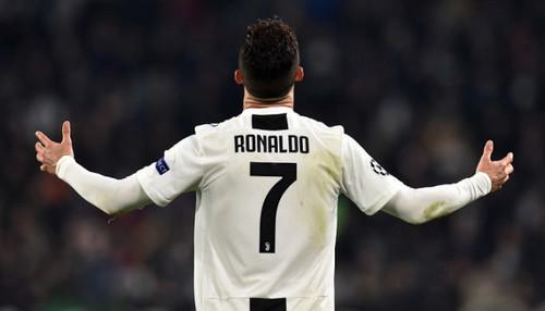 Роналду прекратил тренировки с Ювентусом из-за коронавируса у Ругани