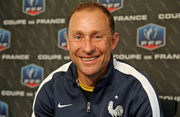 Знаменитый обладатель Золотого мяча назначен тренером малоизвестного клуба