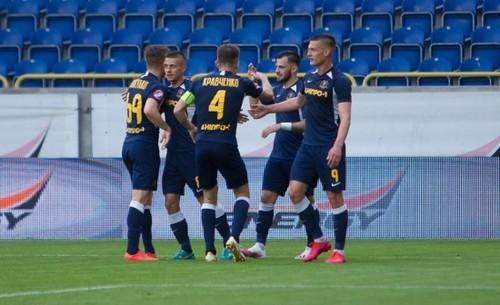 Где смотреть онлайн матч чемпионата Украины Львов – Днепр-1