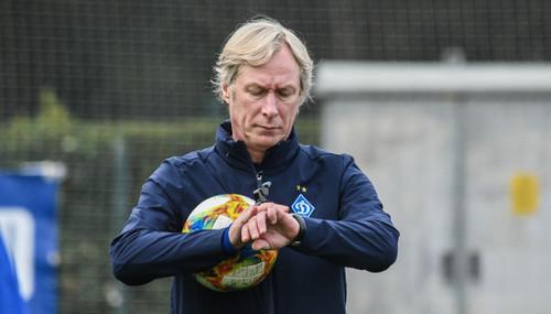 Источник: Михайличенко не хочет оставаться главным тренером Динамо