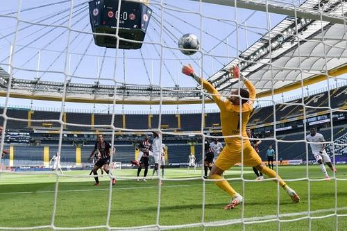 Айнтрахт Ф – Майнц – 0:2. Видео голов и обзор матча