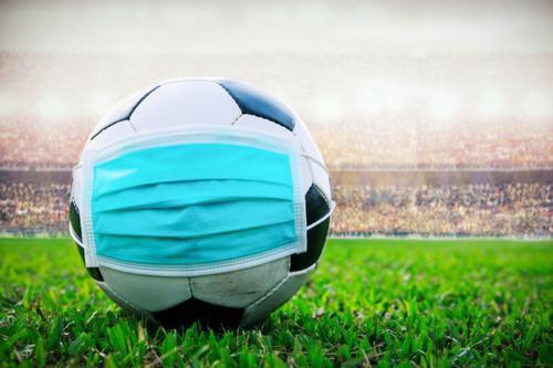 Футбол в веселых картинках. Как в России собираются возобновлять сезон