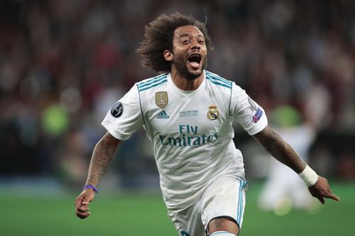 ФОТО. Против расизма: Марсело встал на одно колено после гола Эйбару