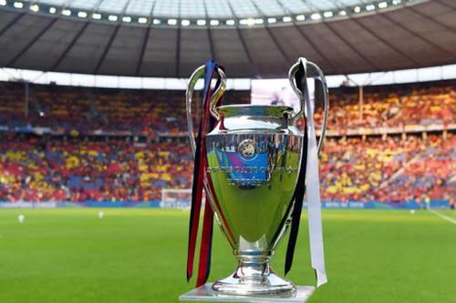 ОФІЦІЙНО. УЄФА прийняв рішення дограти єврокубки та назвав дати і міста