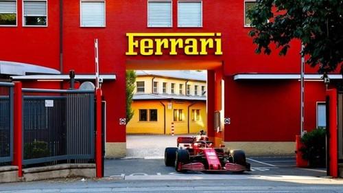 ВИДЕО. Новый болид Феррари проехался по улицам итальянского городка