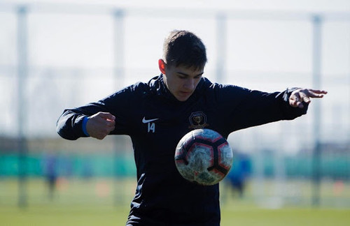 16-летний дебютант днепрян вошел в историю украинских чемпионатов