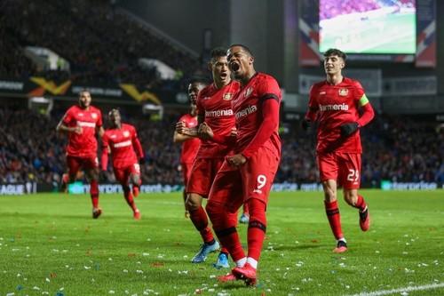 Смотреть футбол лига европы байер- барселона