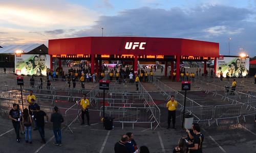 Два турнира UFC из-за коронавируса перенесены в Лас-Вегас