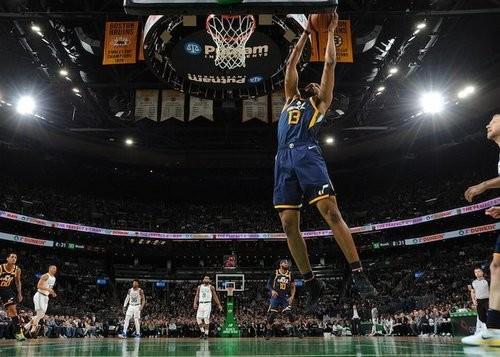 НБА может потерять 500 миллионов долларов из-за пандемии коронавируса