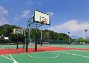 Литрбол вместо баскетбола. В Николаеве установили столики на спортплощадке