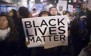 «Життя білих має значення». Банер з'явився перед матчем в Англії