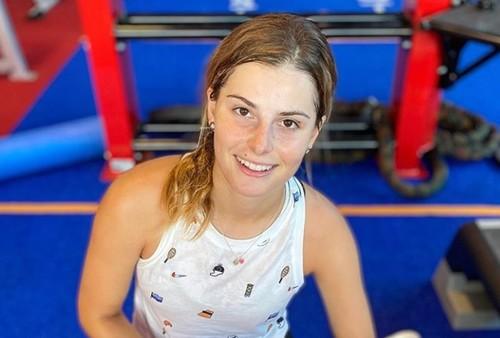 ФОТО. Завацкая прогулялась после победы на мини-турнире во Франции