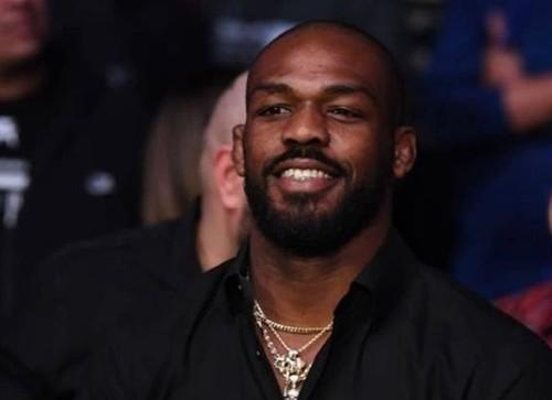 ВИДЕО. Звездный чемпион UFC обиделся на испанский ценник с надписью Negro
