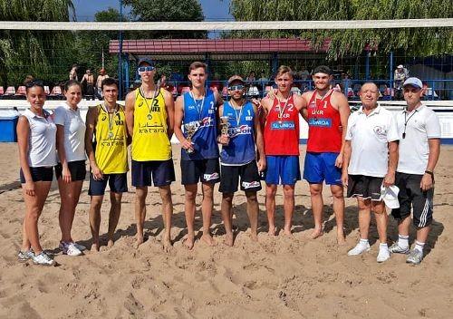 Разыграны первые медали в украинском пляжном волейболе