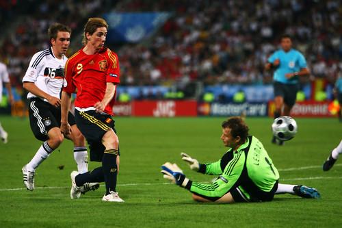 ВИДЕО. 12 лет назад Торрес принес Испании победу в финале Евро-2008