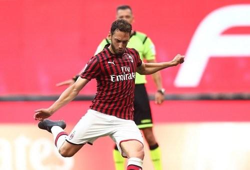 Где смотреть онлайн матч чемпионата Италии СПАЛ — Милан