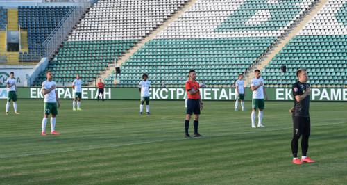 «Поки навіть не обговорюється». Фанів на стадіони в Україні не пустять