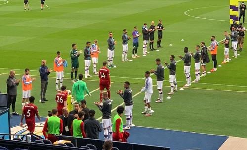 ВИДЕО. Бернарду Силва отказался аплодировать игрокам Ливерпуля